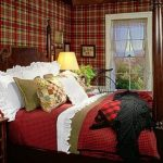 astonishing-fall-bedroom-decorating-ideas-with-red-plaid-wallpaper