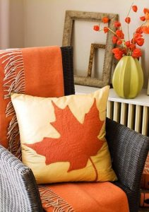 fall-ideas-thanksgiving-decorating-living-room-2