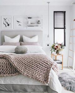 2518f3937cb6d6b230d8a8e2609c9a31-cozy-winter-bedroom-cozy-neutral-bedroom